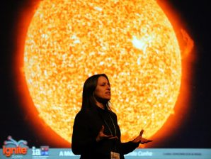 """Margarida Cunha presenting """"The Music of Stars"""" at the Ignite IAstro event in Vila Real"""