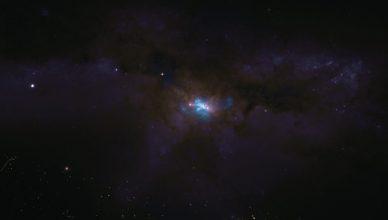 Imagem do centro da NGC 6240 observada pelo ALMA (gás molecular representado a azul) sobreposta à imagem da galáxia observada com o Telescópio Espacial Hubble.