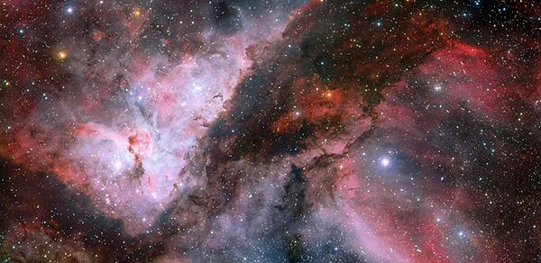 Panorâmica das regiões WR 22 e Eta Carina na Nebulosa Carina