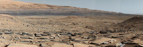 Imagem da superfície de Marte, obtida pela sonda Curiosity Rover, da NASA.