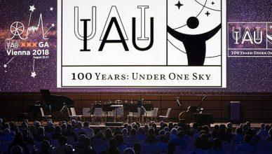 Início das celebrações dos 100 anos da IAU durante a Assembleia Geral em Viena, Áustria, em agosto de 2018.