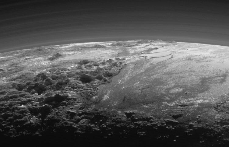 Vista da superfície de Plutão pela sonda New Horizons, da NASA, em julho de 2015.