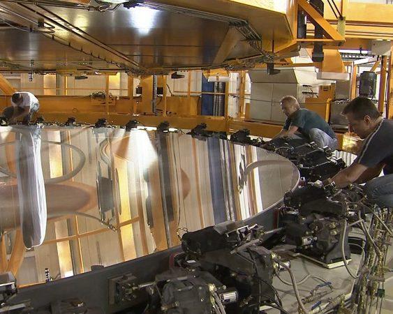 Espelho primário de um dos telescópios do VLT, do ESO, com 8,2 metros de diâmetro.