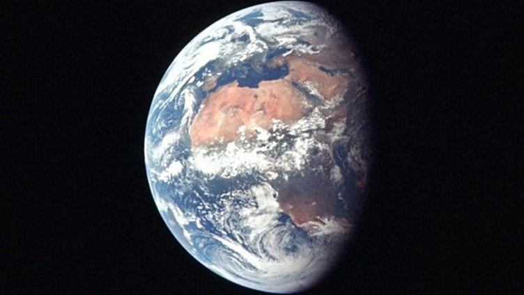 A Terra fotografada da nave Apollo 11