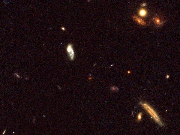 Galáxias num passado distante do Universo.